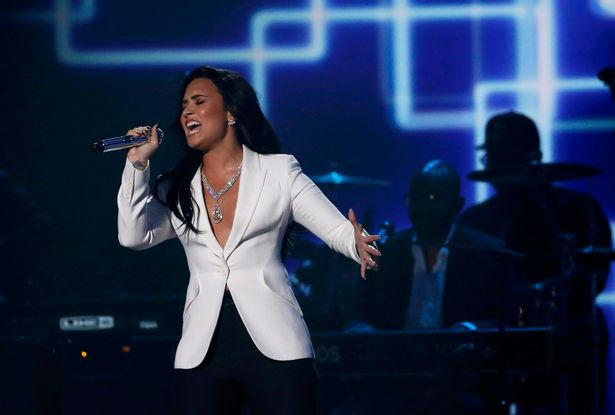 Demi-Lovato-performs-Hello-during-a-medley-honoring-Recording-Academy-Person-of-the-Year-Lionel-Richie