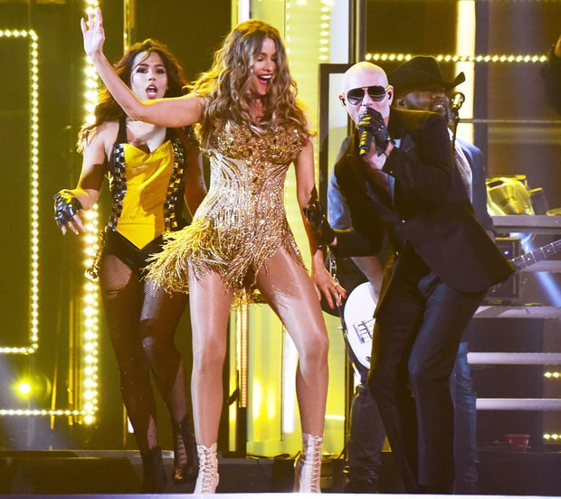 Even if he shows up with Sofia Vegara, the American Idol judges aren't giving Mr. Worldwide a golden ticket.