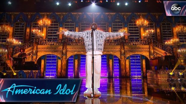 Michael-J.-Woodard-Sings-Beauty-and-the-Beast-Disney-Night-American-Idol-2018-on-ABC-1024x576
